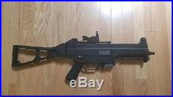 Umarex H&K UMP 45 AEG rifle Airsoft with Red Dot Sight, 4 Magazines, and Sling